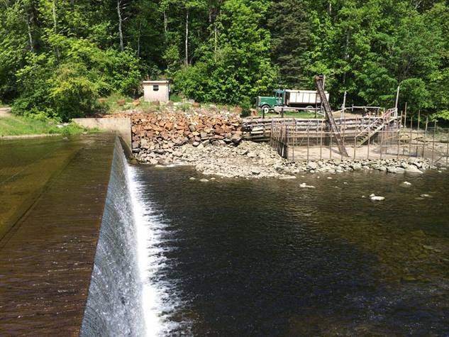 River dam in eastern Maine, located at the confluence of the Orland and Penobscot Rivers near the head of Penobscot Bay.